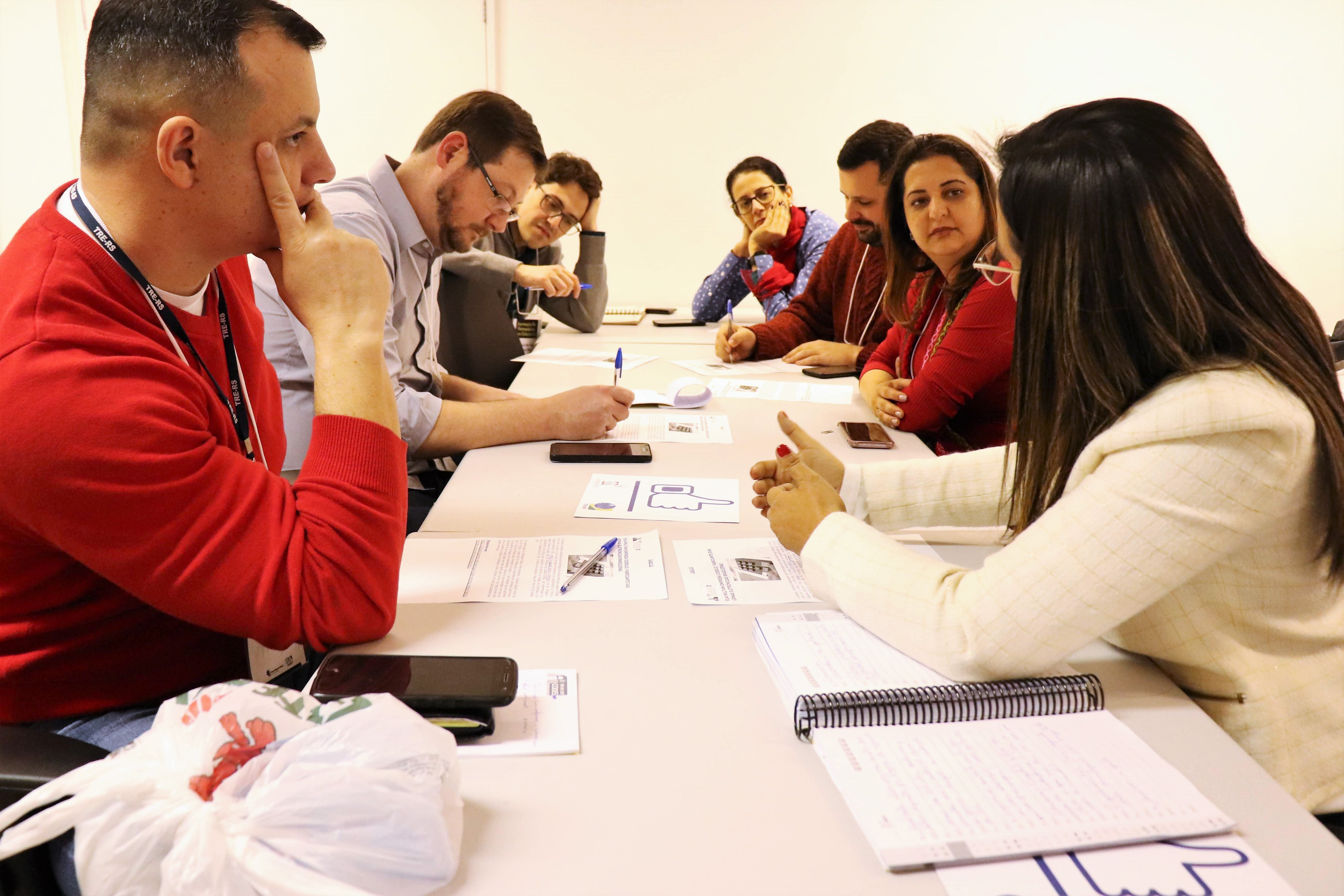 alunos em reunião